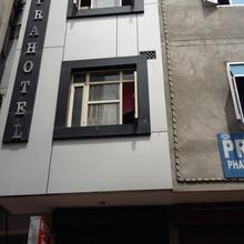Sapra Hotel in Hisar