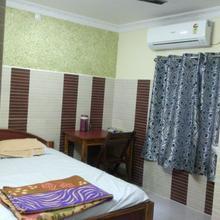Sathyanarayana Lodge in Karimnagar