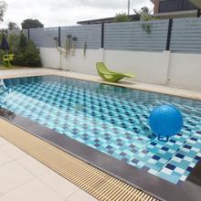 Sattahip Pool Villa in Phla