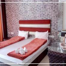 Sawdagar Resort & Restaurant in Chalsa