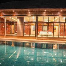 Saya Grand Club & Spa Resort in Mumbai
