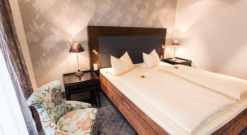 Schloß-Hotel Petry in Kollig