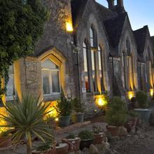 School House Hotel & Restaurant in Swindon