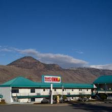 Scott's Inn & Restaurant in Kamloops