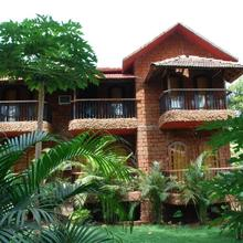 Sea Breeze Beach Resort in Calangute