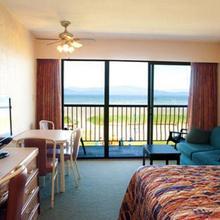 Sea Edge Motel in Qualicum Beach