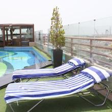 Sea View Hotel Dubai in Dubai