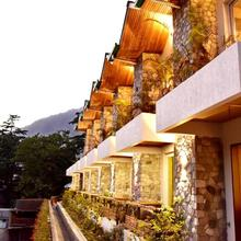 Season Hotel in Nainital