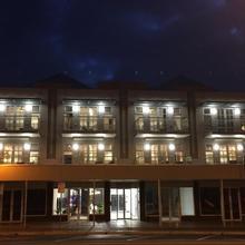 Semaphore Splash Apartments in Adelaide
