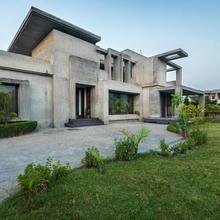 Serenity Bangla By Vista Rooms in Amritsar
