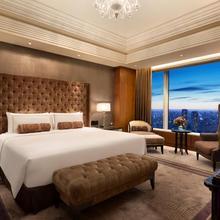 Shangri-la Hotel, Tokyo in Tokyo