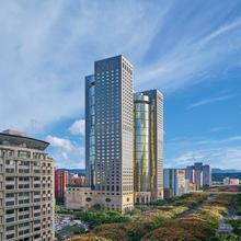 Shangri-la's Far Eastern Plaza Hotel, Taipei in Taipei