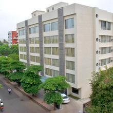 Shantai Hotel in Kharakvasla