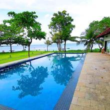 Shanthitheeram Lakeside Heritage Resort in Cherthala