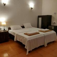 Shelter Guest House in Nerul