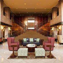 Sheraton Eatontown Hotel in Oceanic
