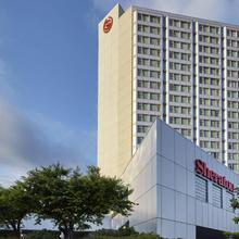 Sheraton Vancouver Guildford Hotel in New Westminster