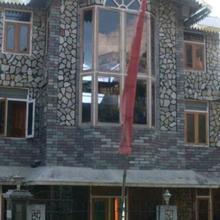 Sherpa's Homestay in Mangpu