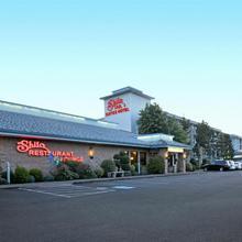 Shilo Inn Portland Airport in Troutdale