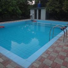 Shiv Farm House in Junagadh