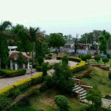 Shiv Shakti Cafeteria & Resort in Mandsaur
