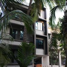 Shraddha Holiday Home in Satirje