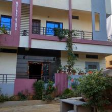 Shreyas Homestay in Hospet
