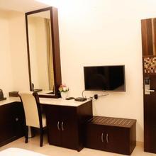 Shri Hotel Kanwar Palace in Rajnandgaon
