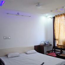 Shri Narayan Guest House & Hotel in Mandera