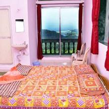 Shri Swayambhu Hotel in Ganpati Pule
