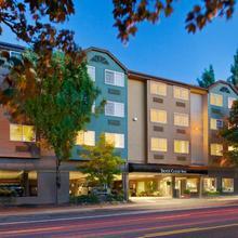 Silver Cloud Inn - Portland in Portland