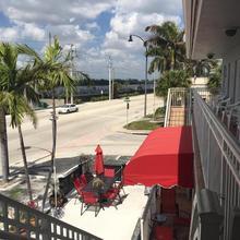 Silver Spray Motel in North Miami Beach