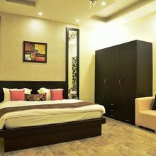 Silverleaf Deluxe Apartments in Jandiala