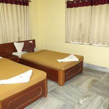 Simurg Guest House in Agarpara