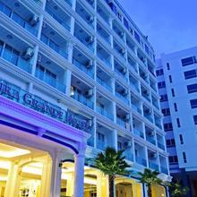 Sira Grande Hotel & Spa in Kathu