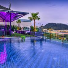 Sira Grande Hotel & Spa in Phuket