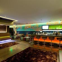 Sirtaj Hotel in Sherman Oaks
