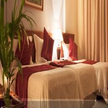 Hotel Relax Inn in Surat