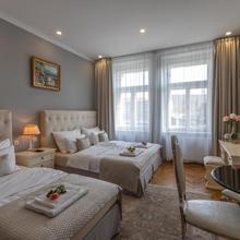 Slabur Residence in Prague