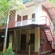 Small Bungalow With 2 Bedrooms On Rent With The Beach Just 5 Minutes Away in Shrivardhan