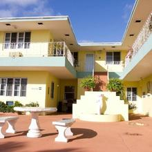 Sorrento Villas in Miami Beach