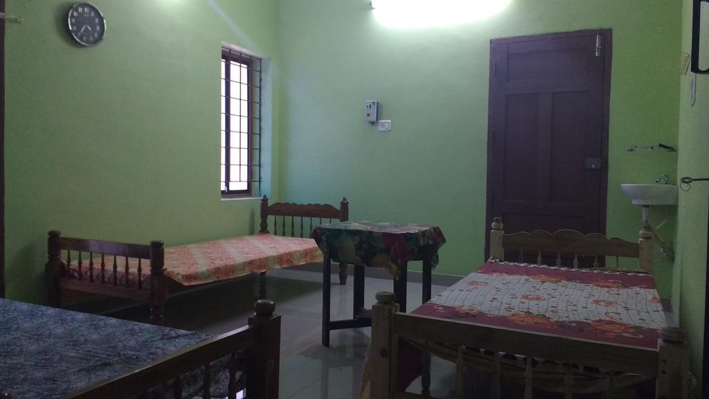 Soukhyasanthi Ayurmadom in Quilon