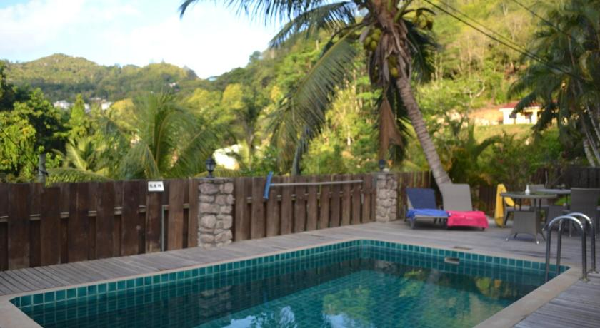 South Point Chalets in Mahe
