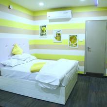 Spark Hotel in Tanuku