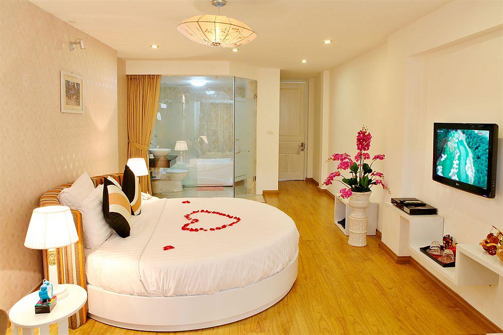 Splendid Star Suite Hotel in Hanoi