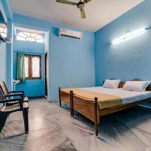 Spot On 49699 Laksha Residency in Karimnagar