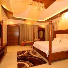 SR Jungle Resort in Varagampadi