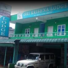 Sri Krishna Lodge in Maraiyur