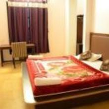 Sri Lakshmi Ganesh Deluxe Rooms in Madduru