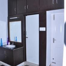 Srirangam Suit Rooms in Tiruchirapalli